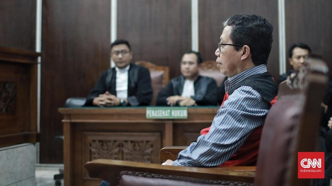 Jokdri yang juga eks CEO PT Liga Indonesia itu menjalani sidang perkara perdananya di Pengadilan Negeri Jakarta Selatan di Ruang Sidang H.M Ali Said pada 6 Mei.(CNN Indonesia/Andry Novelino)