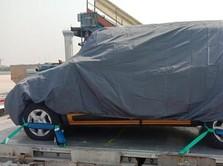 Wah! Ada Penampakan Mobil Mendarat di Soetta, Renault Triber?