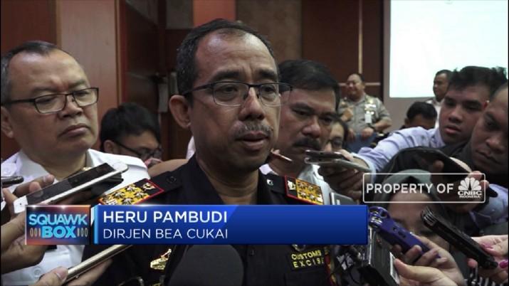 Direktur Jenderal Bea dan Cukai Heri Pambudi berencana menurunkan batasan bea masuk barang impor via e-commerce.