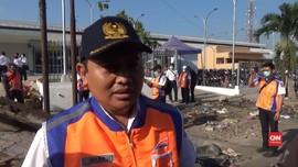 VIDEO: Penertiban PKL di Stasiun Jombang Diwarnai Perlawanan