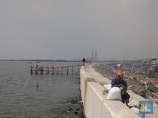 Jokowi Pastikan Proyek Tanggul Laut Anti Banjir DKI Berlanjut