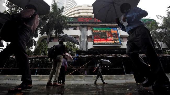 India menargetkan untuk menjadi negara dengan ekonomi atau Produk Domestik Bruto (PDB) mencapai US$3 triliun tahun ini. (REUTERS/Francis Mascarenhas)