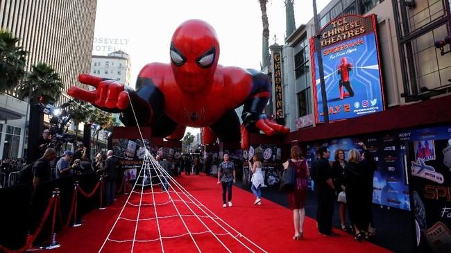 Spider-Man: Far From Home adalah film ke-23 dari rangkaian Marvel Cinematic Universe (MCU), sekaligus merupakan sekuel dari Spider-Man: Homecoming. (REUTERS/Danny Moloshok)