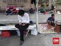 FOTO: Pencari Suaka di Trotoar Kebon Sirih Jakarta