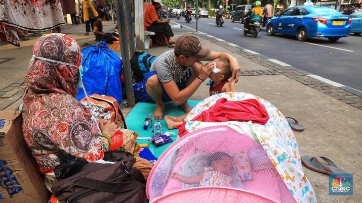 Sedih & Miris, Kehidupan Pencari Suaka di Trotoar Jakarta