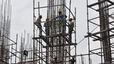 India menargetkan dapat membangun 125 ribu km jalan selama lima tahun ke depan dengan biaya US$11,6 miliar. (REUTERS/Rupak De Chowdhuri)