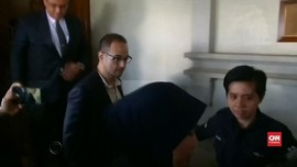VIDEO: Anak Najib Razak Didakwa Kasus Pencucian Uang 1MDB