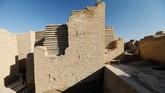 Sejak awal abad ke-19, sejumlah arkeolog Eropa berusaha menggali kawasan tersebut untuk menemukan artefak-artefak yang ada di dalamnya. (REUTERS/Thaier Al-Sudani)