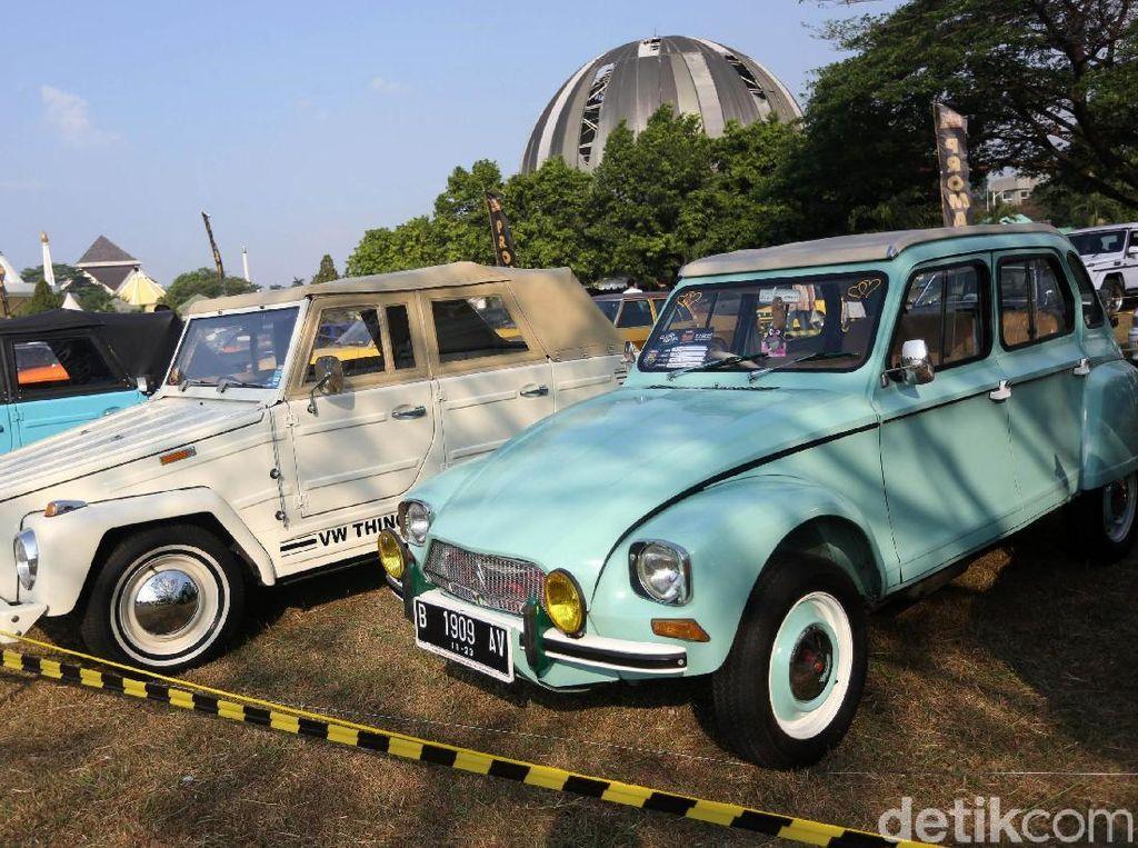 Warna-warni mobil jadul di Parjo 2019. Foto: Agung Pambudhy