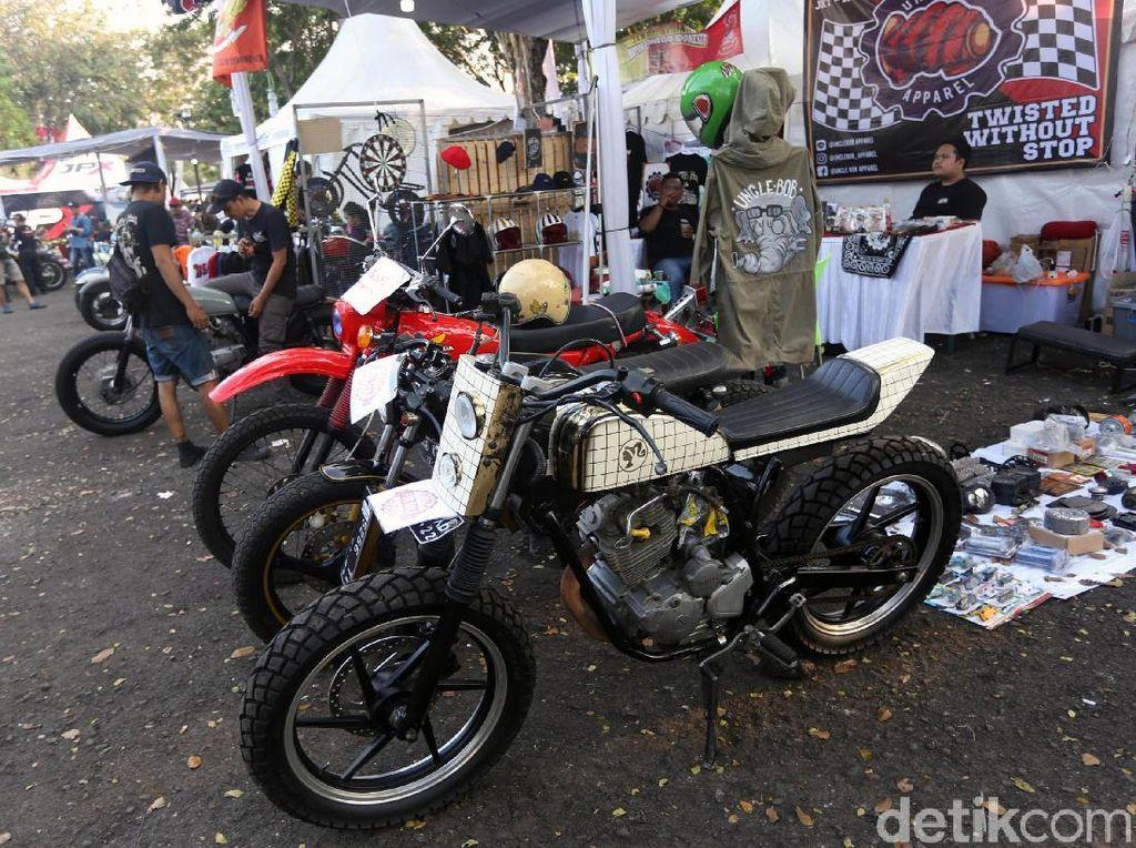 Pasar jongkok otomotif 2019 digelar menggandeng platform E-commerce asli Indonesia.Foto: Agung Pambudhy