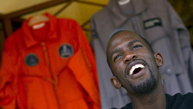 Calon Astronaut Pertama Afrika Tewas dalam Kecelakaan Motor