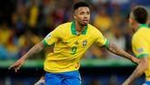 Gabriel Jesus kembali membawa timnas Brasil unggul hanya satu menit setelah timnas Peru menyamakan kedudukan melalui tendangan penalti Jose Paulo Guerrero di final Copa America 2019. (REUTERS/Luisa Gonzalez)