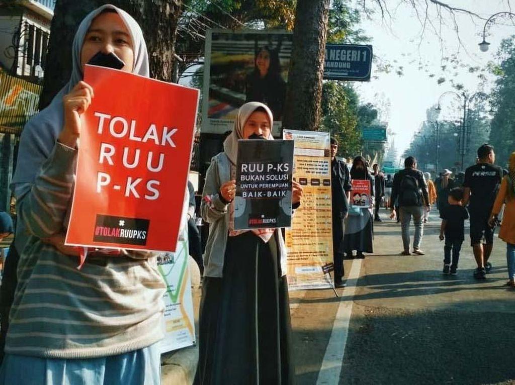 Aksi teatrikal tolak RUU P-KS ini diselenggarakan oleh aliansi gerakan perempuan (GPP) Bandung.