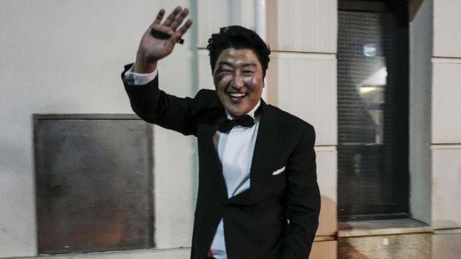 Song Kang-ho Terima Penghargaan di Locarno Film Festival