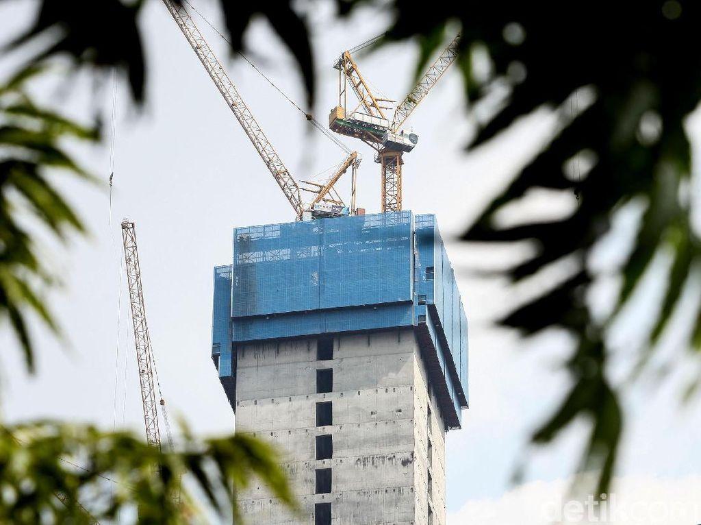 Untuk gedung tertinggi di Jakarta saat ini masih dipegang oleh Gama Tower dengan tinggi 286 meter.