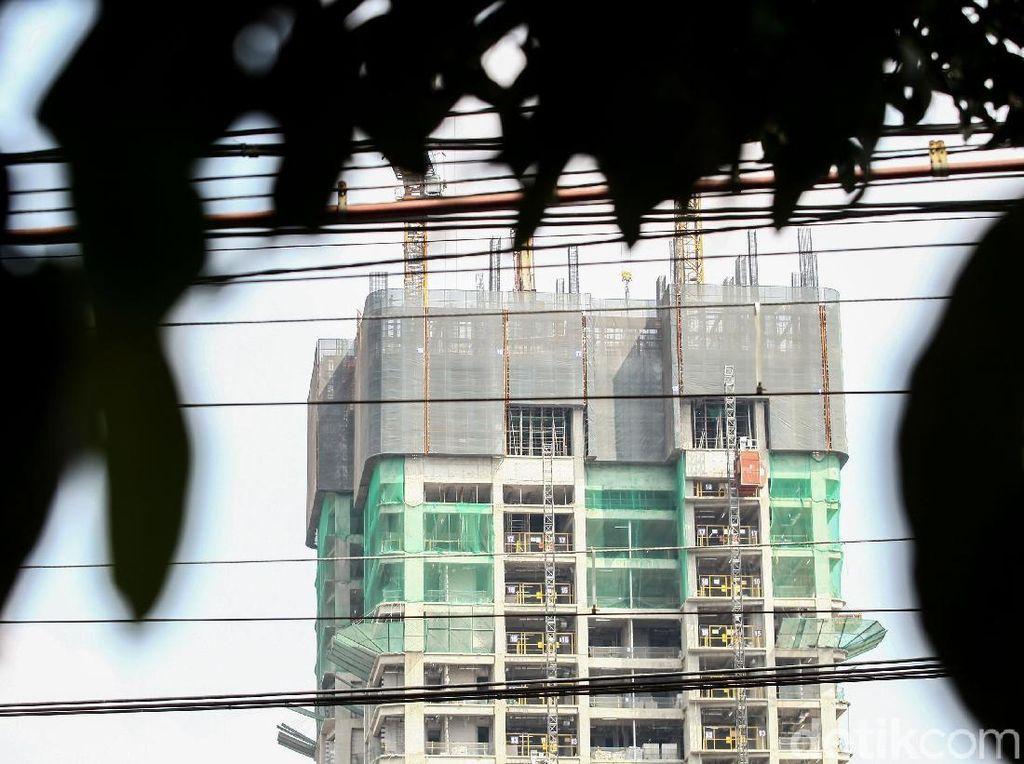 Total, hingga kini Jakarta memiliki sekitar 410 gedung bertingkat.
