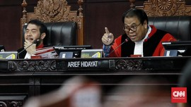 Hakim MK Cecar Kuasa Hukum Gerindra soal Bukti Sengketa Pileg