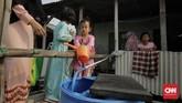 Saat musim kemarau pengeluaran warga untuk air bersih bisa mencapai 500 ribu perbulan, dibandingkan musim penghujan hanya 100 ribu perbulan. (CNN Indonesia/Adhi Wicaksono)