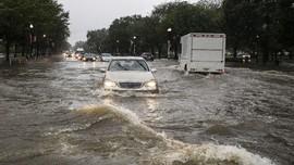 Banjir di Inggris Utara, Warga Dievakuasi & Jalur Trem Lumpuh