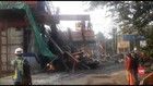 VIDEO: Tiang Pancang Tol BORR Ambruk, Dua Orang Terluka