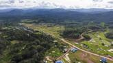 Hamparan hutan yang mengelilingi kawasan Krayan menjadi pemandangan menawan di Nunukan, Kalimantan Utara. (ANTARA FOTO/M Agung Rajasa).