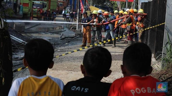Saham JSMR & PTPP Ambruk, Sentimen Kecelakaan Cor Beton?