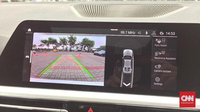Cara Kerja BMW Seri 3 Mundur Otomatis