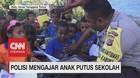 VIDEO: Inspiratif! Polisi Mengajar Anak Putus Sekolah