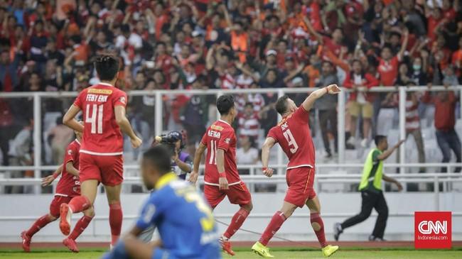 Persija membukukan keunggulan pada menit ke-75 berkat gol Marko Simic yang memanfaatkan umpan Riko Simanjuntak. (CNN Indonesia/Adhi Wicaksono)