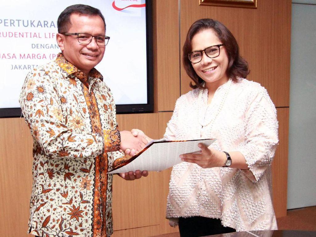 Hal ini sebagai bentuk dukungan dari sektor industri asuransi terhadap program pemerintah dalam hal percepatan pembangunan infrastruktur untuk mendorong pertumbuhan ekonomi Indonesia.
