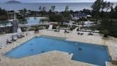 Badai yang terjadi tiba-tiba menyebabkan enam orang wisatawan tewas dan setidaknya 30 orang mengalami luka-luka. (REUTERS/Iona Serrapica)