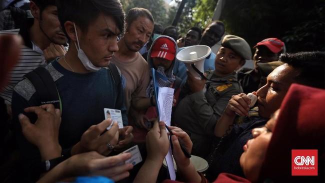Gelombang pengungsi menjadi masalah global saat ini, ketika perang dan konflik terus berkecamuk di berbagai belahan dunia. (CNN Indonesia/Hesti Rika)