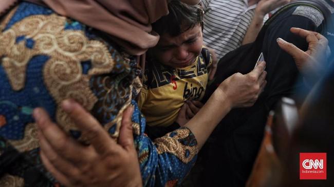 UNHCR mencatat ada sekitar 70 juta pengungsi yang terpaksa lari dari negaranya karena ancaman persekusi, keamanan, hingga perang. (CNN Indonesia/Hesti Rika)