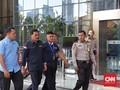 Setelan Serbahitam, Gubernur Kepri Nurdin Basirun Tiba di KPK