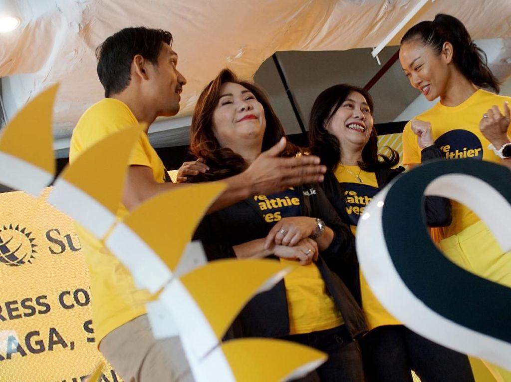 Tema kampanye kali ini adalah mengusung Live Healthier Lives agar generasi muda Indonesia mulai bisa menjaga kesehatan secara holistik, baik segi fisik, mental maupun finansial, guna mempersiapkan diri menyambut bonus demografi pada 2030. Foto: dok. Sun Life Indonesia