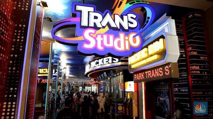 Trans Studio Cibubur dibuka hari ini, langsung diserbu ribuan pengunjung