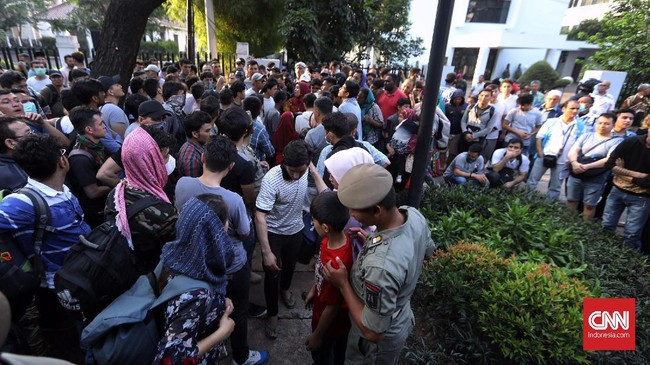 Kepala UNHCR untuk Indonesia, Thomas Vargas, mengatakan sedang bernegosiasi dengan pemerintah Indonesia untuk membuat peraturan khusus supaya para pengungsi bisa mendapat pemasukan dan bertahan hidup. (CNN Indonesia/Hesti Rika)