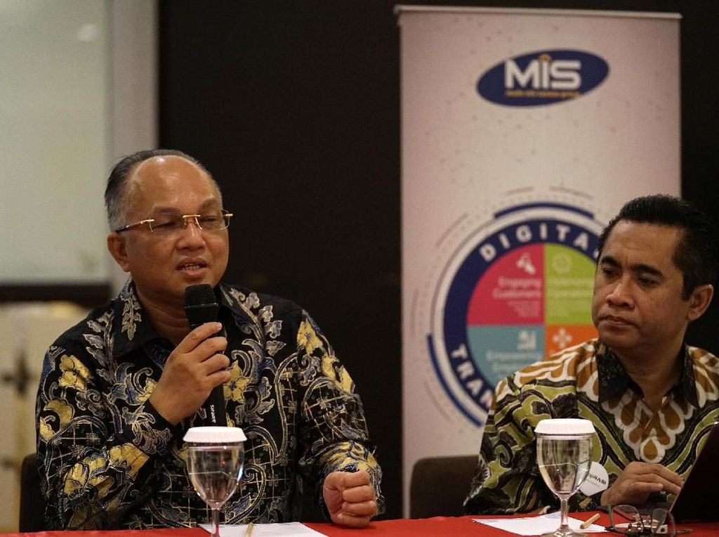 Pengenalan produk mobile application dan core system untuk koperasi digital, yang diluncurkan oleh PT SDTI sebagai anak perusahaan MDB di sela acara Peringatan Hari Koperasi Nasional ke-72 2019 di Purwokerto, Jawa Tengah, Kamis (11/7). Melihat peluang tersebut PT Sistim Digital Transaksi Indonesia (SDTI) sebagai salah satu perusahaan inovasi yang dikembangkan PT Multi Inti Digital Bisnis (MDB) hadir untuk memberikan solusi mengatasi masalah-masalah yang terjadi pada dunia koperasi di Indonesia. Foto: dok. MIS