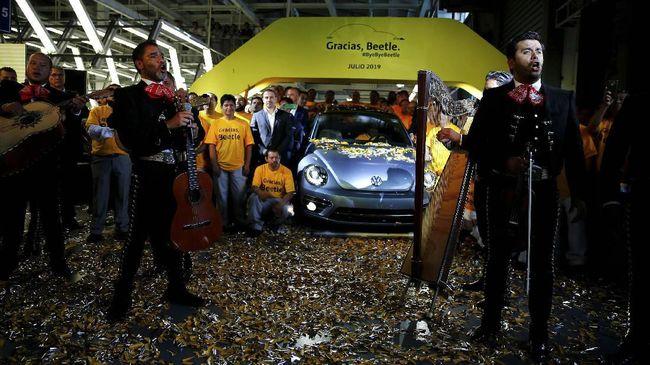 Salam Perpisahan Karyawan dengan Volkswagen Beetle