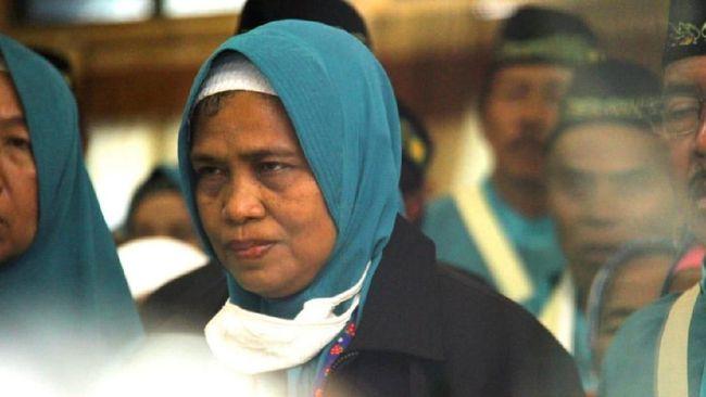 Nasi Kuning Depan Madrasah Bawa Ibu Tipa Berjumpa Kakbah