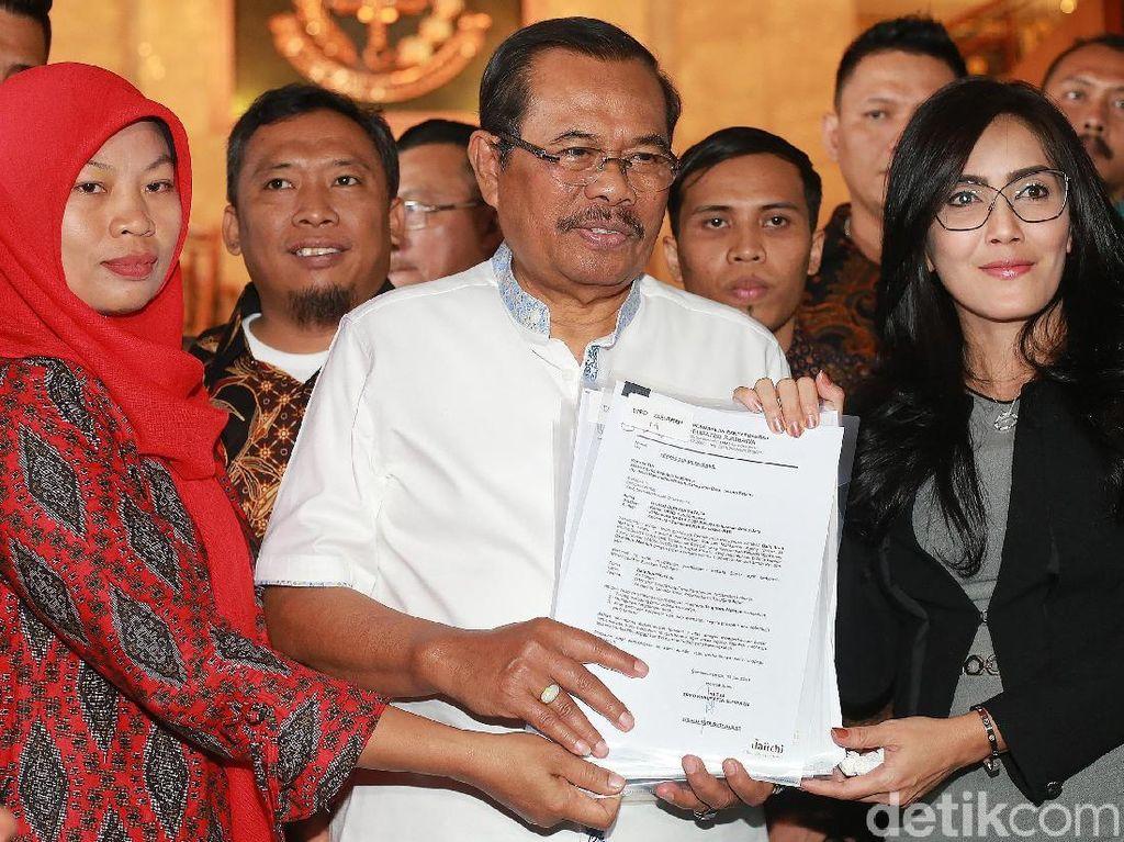 Prasetyo mengatakan, eksekusi seharusnya dilakukan setelah putusan berkekuatan hukum tetap (inkrah). Kasus Baiq Nuril disebut Prasetyo mendapat perhatian banyak pihak. Presiden Joko Widodo (Jokowi) kini menimbang amnesti untuk Baiq Nuril