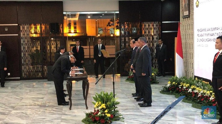 Menteri Jonan lakukan penyebaran di tubuh kementerian dengan merombak posisi 3 pejabat sekaligus.
