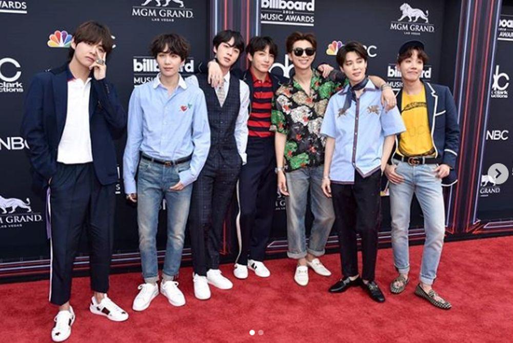 BTS berhasil menjadi group idol pertama yang pernah menjadi pengisi acara di Billboard Music Award dan bahkan memenangkan penghargaan 'Top Social Artist'. (Instagram/bts.bighitofficial)