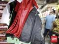 Larangan Anies Pakai Kantong Plastik Dinilai Tak Cegah Banjir