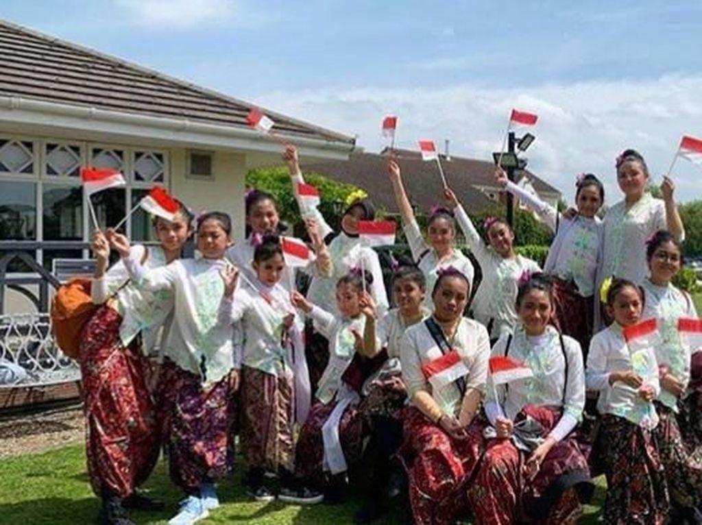 Festival Llangollen International Musical Eisteddfod dihadiri oleh 50 Negara untuk membawa misi perdamaian dunia melewati kebudayaan antarbangsa. Pool/Kiny Cultura Indonesia.