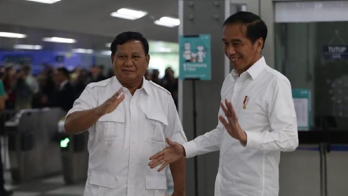 Momen akrab Jokowi dan Prabowo jajal MRT Jakarta bareng