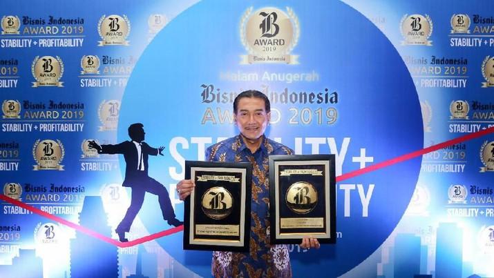 BRI Raih Penghargaan Bank Persero Terbaik & CEO of The Year
