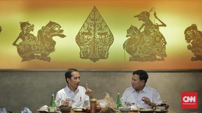 Keduanya makan siang bersama sekitar satu jam, kemudian Prabowo pulang terlebih dulu. (CNN Indonesia/Adhi Wicaksono)
