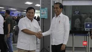 VIDEO: Momen Pertemuan Jokowi-Prabowo di Stasiun MRT