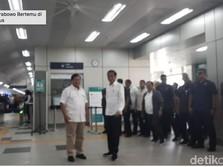 Kompak Berbaju Putih, Akhirnya Jokowi-Prabowo Meet Up!